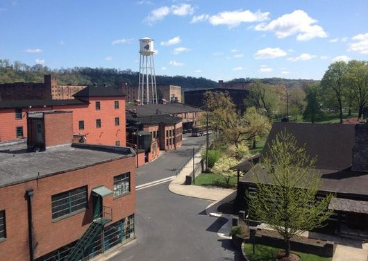 buffalo_trace_distillery_outdoor_view1_cp