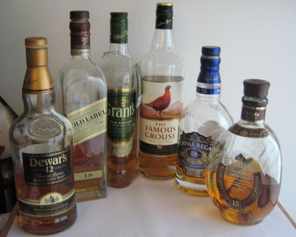 group_of_blended_whiskies_2013.2