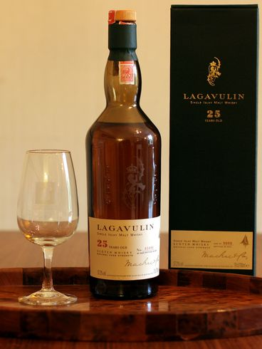 images/stories/lagavulin 25 yo_ob_1977_57.2_hugh_coll_comp.jpg